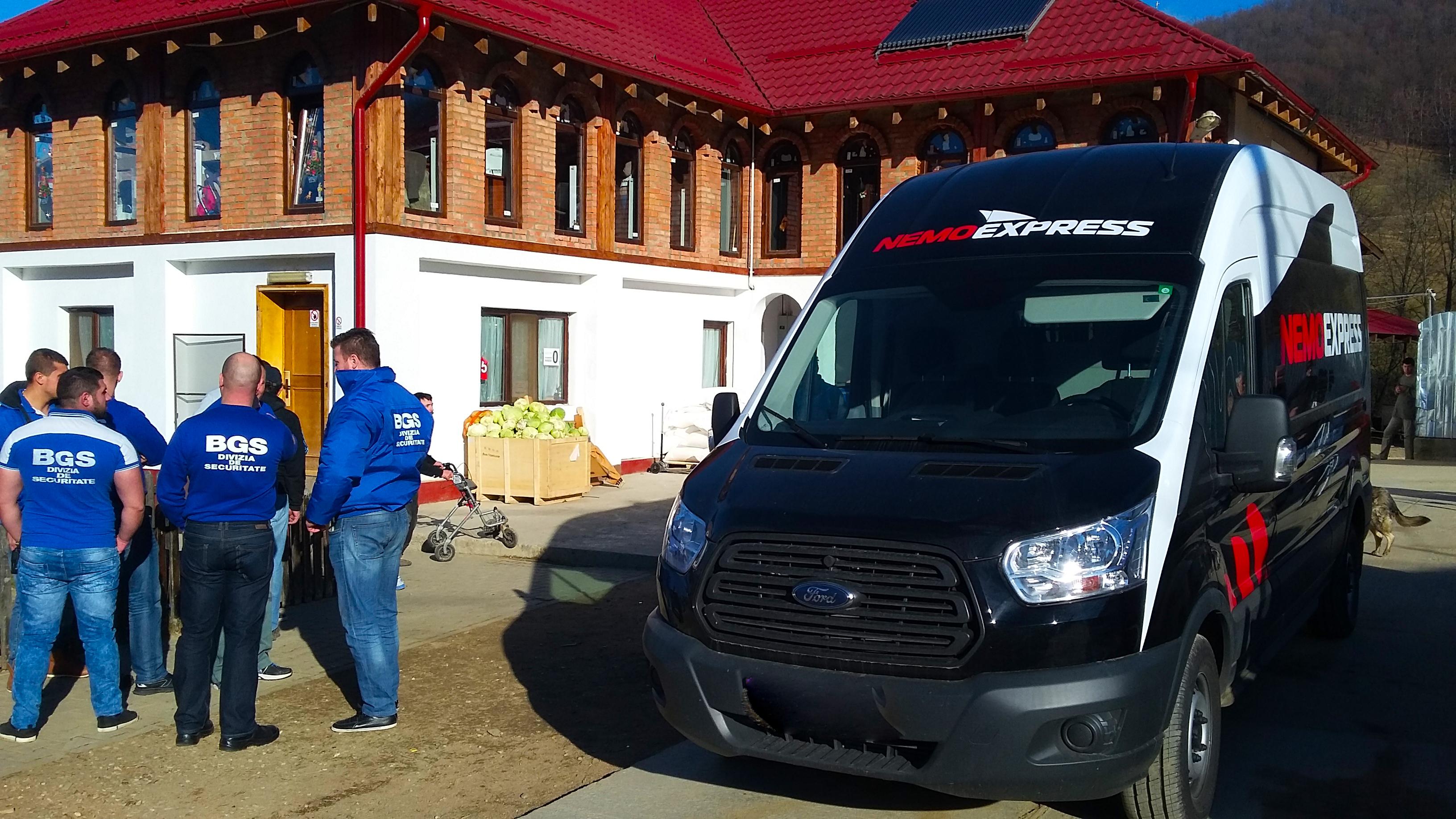 Cadourile Moșului au ajuns la copiii Centrului Educațional Inovativ de la Valea Plopului